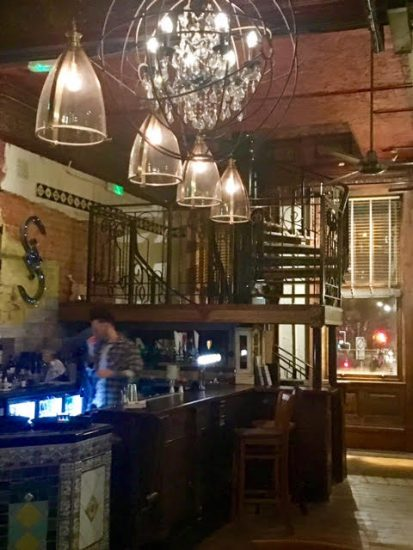 Shilling Newcastle decor - review by Scran on the Tyne